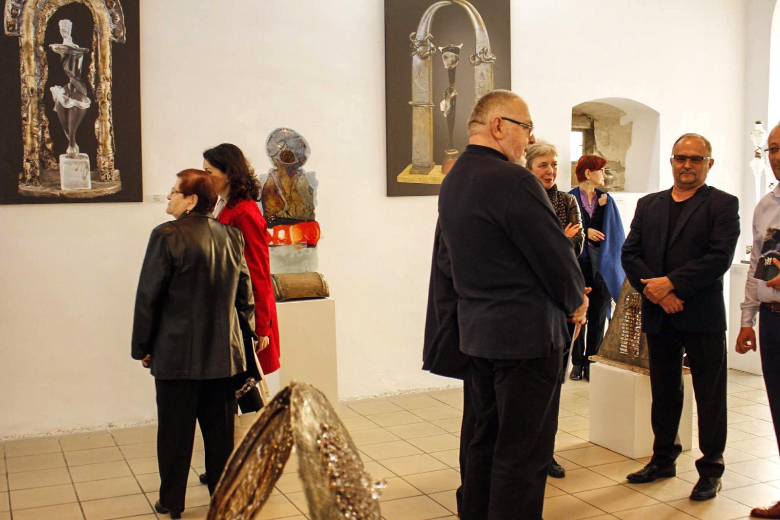 """Expozitie """"Reflexii in timp"""", Bistrita - Ioan Tamaian"""